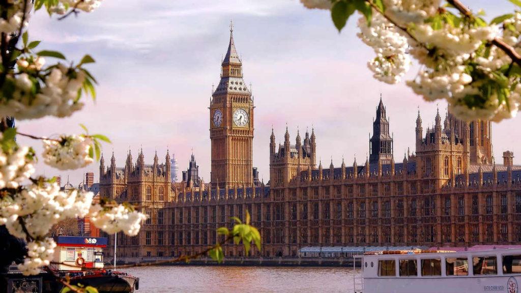 chto-posmotret-v-londone-1024x576
