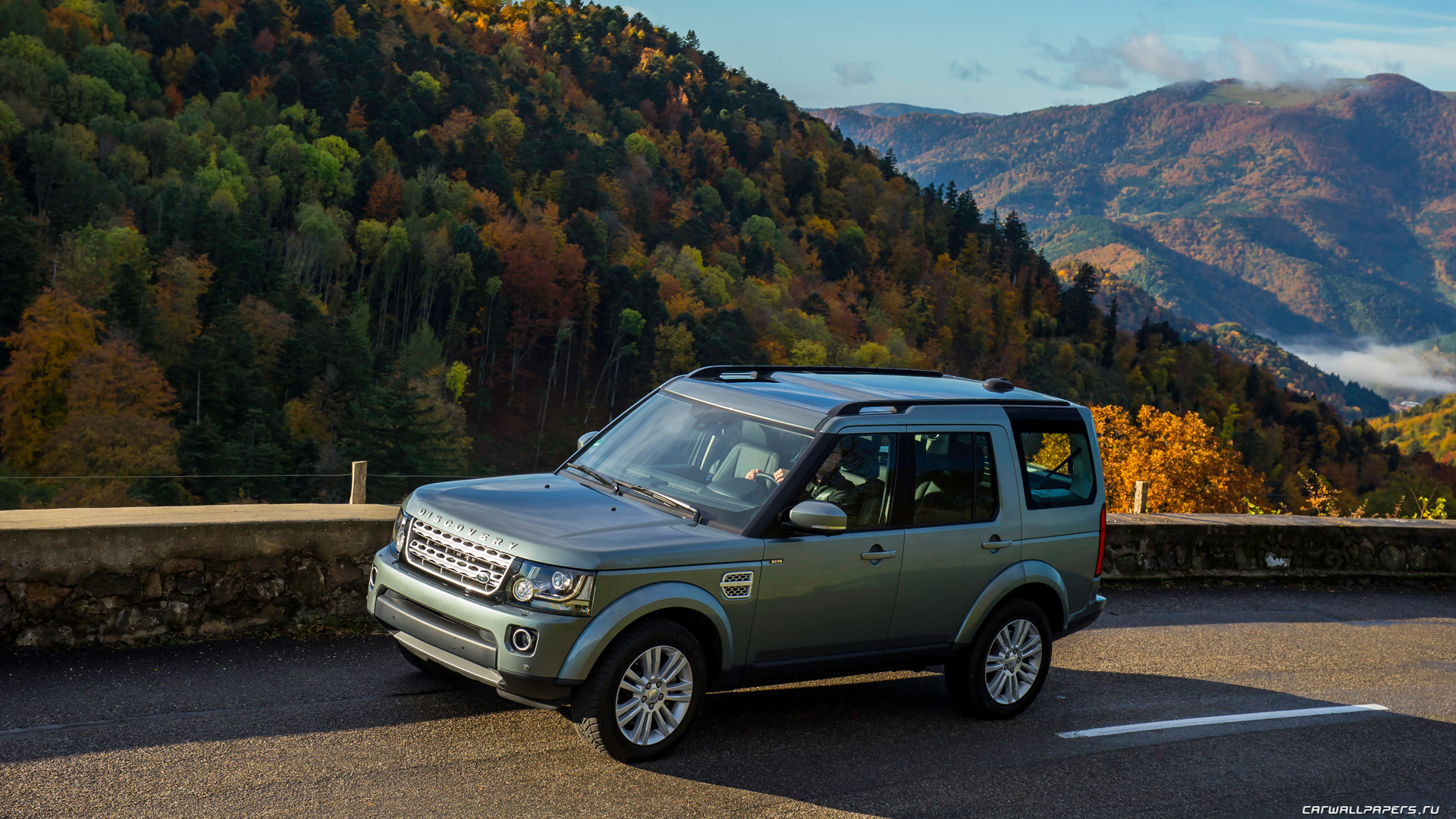 Land-Rover-Discovery-4-SCV6-HSE-2014-1920x1080-007